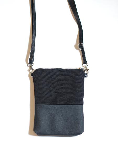 Pieni Adidas Laukku : Pieni piilo laukku musta riiminka